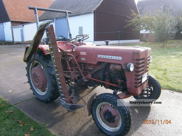 1960 McCormick  D 324 TÜV 03/2013, Mower, hydraulic, PTO Agricultural vehicle Tractor photo