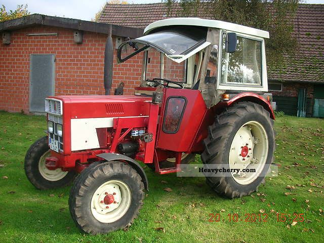 1975 IHC  433 Agricultural vehicle Tractor photo