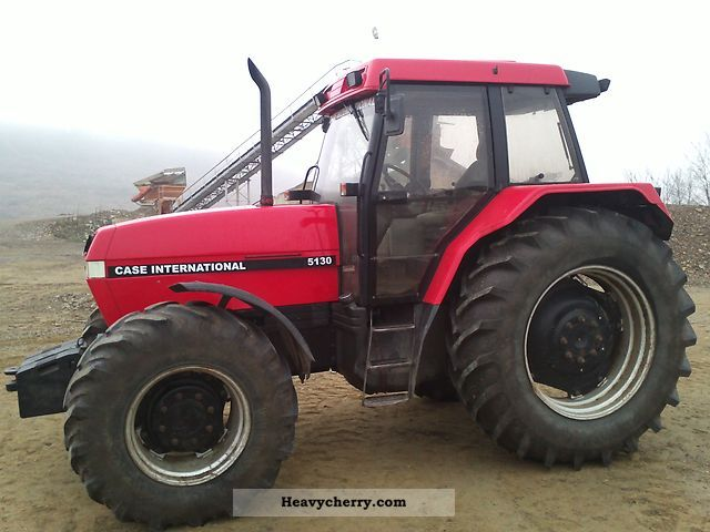 1994 Case  5130 Agricultural vehicle Tractor photo