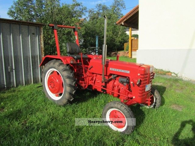 1961 McCormick  324 D Agricultural vehicle Farmyard tractor photo