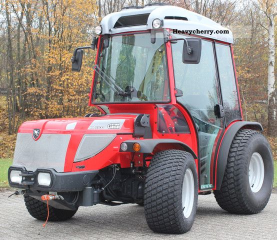 2009 Carraro  HR 5500 demonstration MSRP 56,728, - EUR Agricultural vehicle Tractor photo
