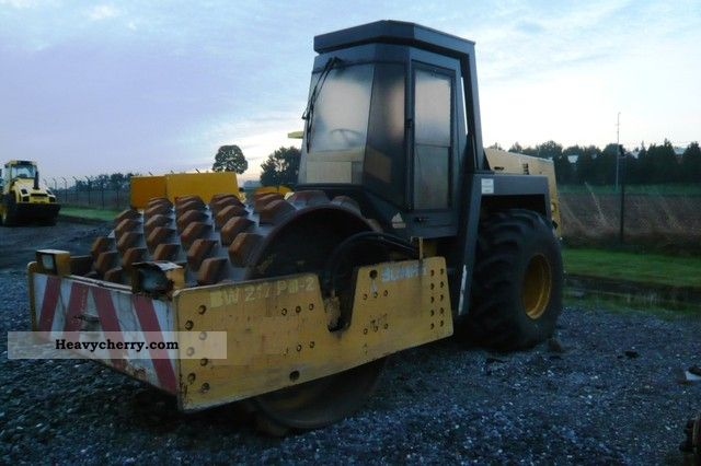 1992 BOMAG  BW 217 PD - 2 Construction machine Rollers photo
