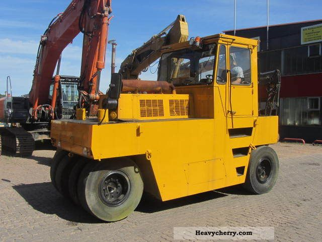 1994 BOMAG  BW 16 R ** rubber roller ** Construction machine Rollers photo
