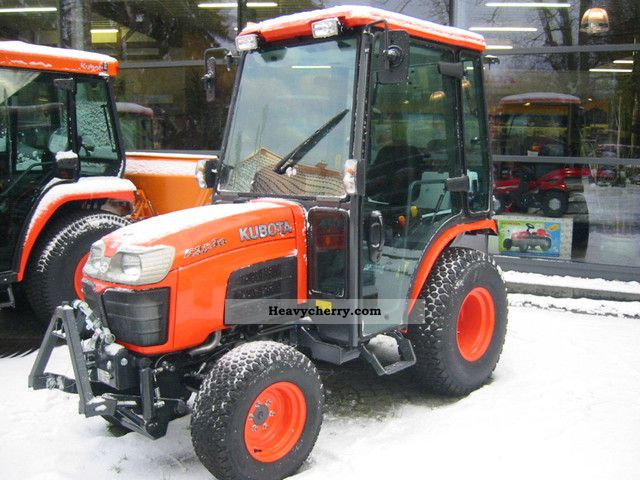 2012 Kubota  B2530 HC winter / winter campaign Agricultural vehicle Tractor photo