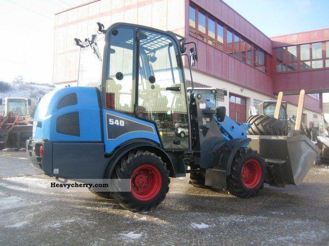 2010 Gehl  AL 540 Construction machine Wheeled loader photo