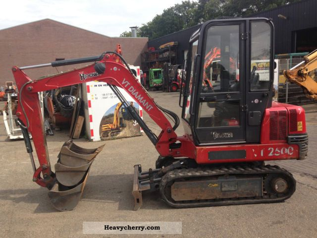 2004 Hinowa  VT 2500 Construction machine Mini/Kompact-digger photo